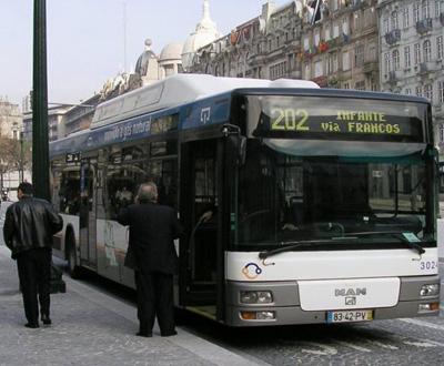 Autocarro (foto de arquivo)