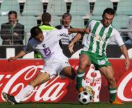 Pitbull (V. Setúbal) luta com Moreno (V. Guimarães) pela bola