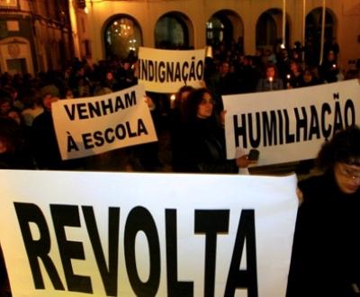 Vigília de professores e educadores em Torres Vedras (Foto Lusa)