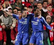 Lampard e Drogba (Geoff Caddick/EPA)
