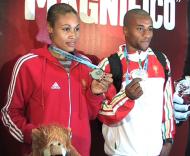 Naide Gomes e Nelson Évora com as medalhas ganhas em Valência