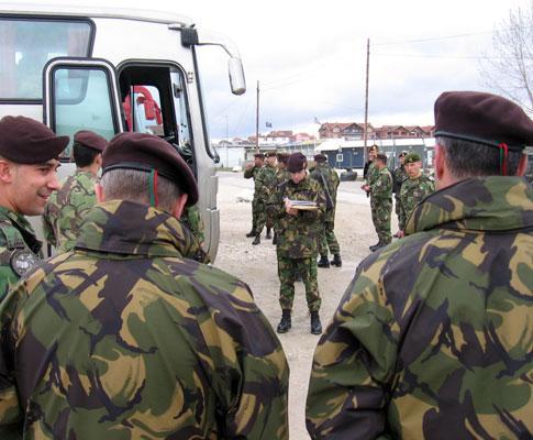 Chamada das tropas portuguesas para o embarque em Pristina