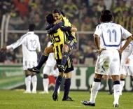 Fenerbahçe festeja vitória sobre o Chelsea
